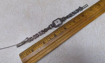 WOMAN'S STERLING SILVER AND MARCASITE WRISTWATCH, VINTAGE LUPUS,15J, MECHANICAL.
